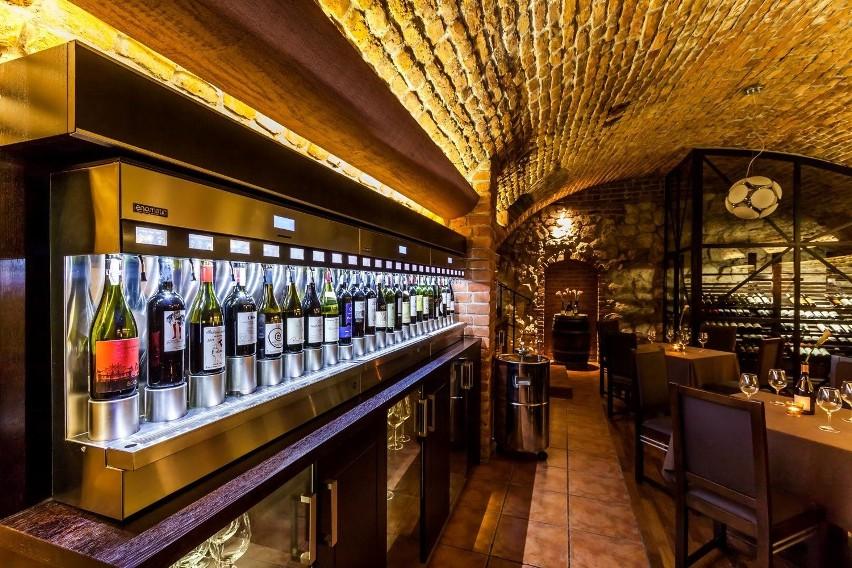 Albertina. Właściciele restauracji łączą tu kuchnię fine dining z miłościa do win