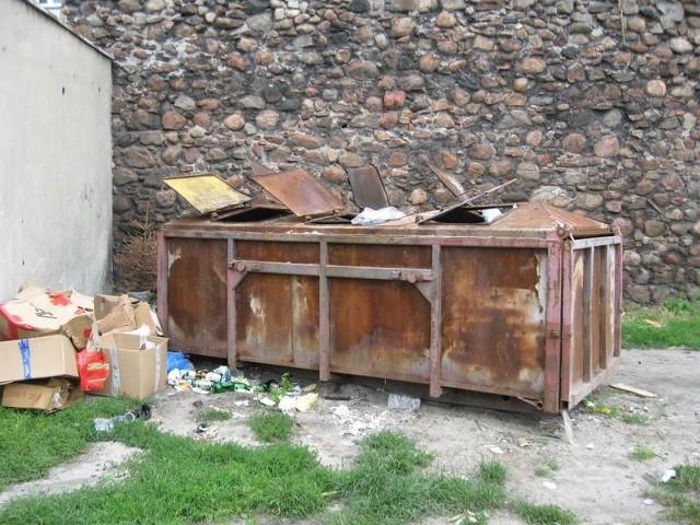 Takie kontenery niebawem znikną ze śródmieścia Żar.