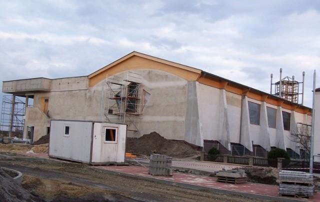 Oleski basen w budowie