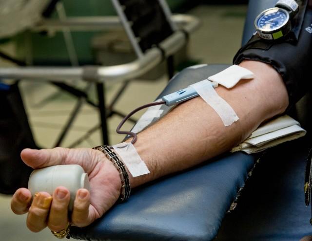 W wyborczą niedzielę warto pomyśleć nie tylko o oddawaniu głosu, ale również o oddawaniu krwi, ponieważ zapotrzebowanie na nią nie maleje