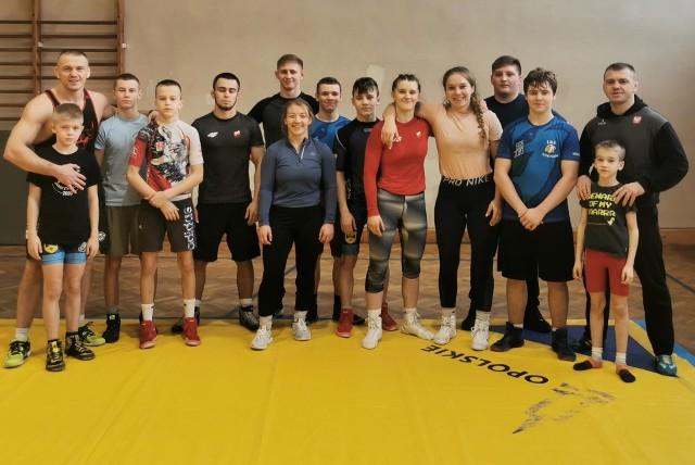 11 zawodników i zawodniczek Orła Namysłów znalazło się w składach kadr narodowych na rok 2021. Wśród namysłowian wybranych przez Polski Związek Zapaśniczy mamy ośmiu mężczyzn i trzy kobiety.