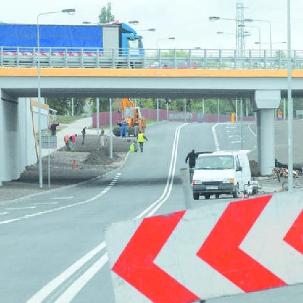 Według zespołu ds. nazewnictwa miejskiego wiadukt w ulicy Żeglarskiej ma nosić imię płk Ryszarda Kuklińskiego.