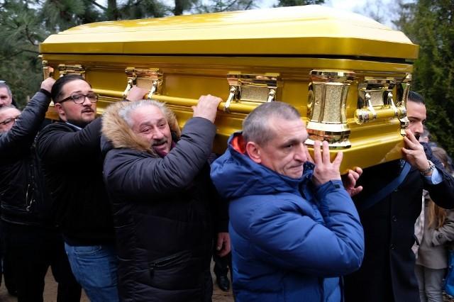 Pogrzeb króla Romów w Poznaniu. Pika Łakatosz pochowany na Junikowie