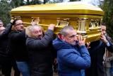 Pogrzeb króla Romów w Poznaniu. Pika Łakatosz pochowany na Junikowie [ZDJĘCIA, WIDEO]