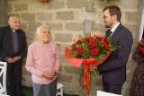 Wiśniowa. 200 lat dla Pani Anieli! I wielki kosz kwiatów od wójta i radnych