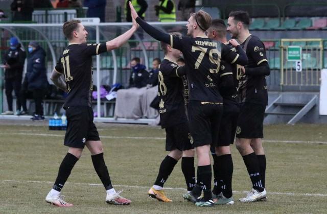 Bytowska drużyna pierwsza cieszyła się ze zdobytej bramki, ale mecz z Garbarnią zakończyła bez zdobyczy punktowej