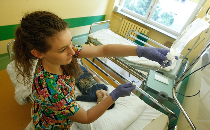 Dzieci trafiły do szpitala po zjedzeniu trujących roślin....