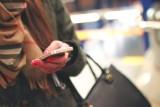 Uwaga na fałszywe SMS-y. Można stracić wszystko z konta bankowego. Oszuści polują na pieniądze i mają nowe metody