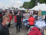 Tłumy kupujących na czwartkowym targu w Warcie. Zdjęcia z targu w Warcie