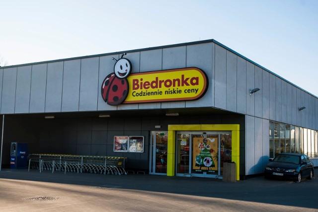 Do której czynne są sklepy w Sylwestra 2018 - Biedronka godziny otwarcia SYLWESTER - Sklepy w Sylwestra [LIDL, TESCO, ŻABKA, AUCHAN I INNE]