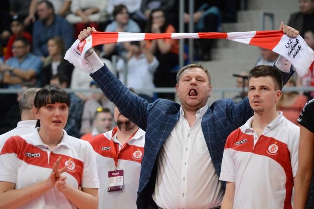 Prezes ŁKS Commercecon Hubert Hoffman mocno przeżywa mecze swej drużyny