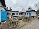 Sosnowiec. Do końca czerwca w remontowanych przedszkolach i szkołach powstaną ogródki wykorzystujące deszczówkę