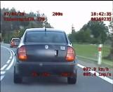 Podlaska grupa SPEED zatrzymała kierowcę, który niebezpiecznie wyprzedzał pojazdy (zdjęcia, video)