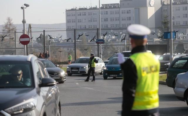 Policja ostrzega przed utrudnieniami w najbliższych dniach