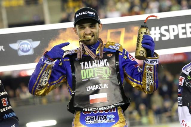 W sezonie 2021 tytułu indywidualnego mistrza świata na żużlu bronił będzie Bartosz Zmarzlik, zawodnik Stali Gorzów.