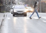 Zielona Góra. Czy niebezpieczne przejście dla pieszych na ul. Sulechowskiej zostanie zlikwidowane? Jakie zmiany szykuje miasto? [ZDJĘCIA]