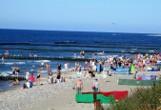 Polski Dubaj w sierpniu 2020 roku! Tak wyglądają wakacje w Jarosławcu. Sztuczna plaża - unikat w skali europejskiej, kusi plażowiczów