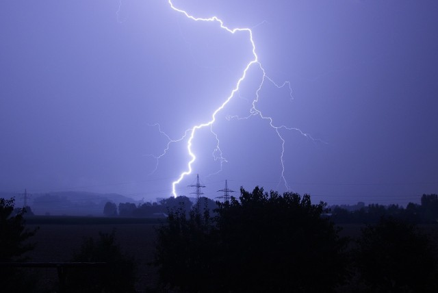 Prognoza pogody 05-06.08.2016. Możliwe załamanie pogody i burze z gradem