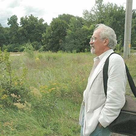 - Już od dawna miasto przymierzało się, by zrobić tu pole kempingowe. To naprawdę świetna lokalizacja - przekonuje Adam Stawczyk.