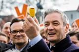 Selfie, nadzieje, kraj bez pieczątek, czyli wiosenny koncert Roberta Biedronia w Operze