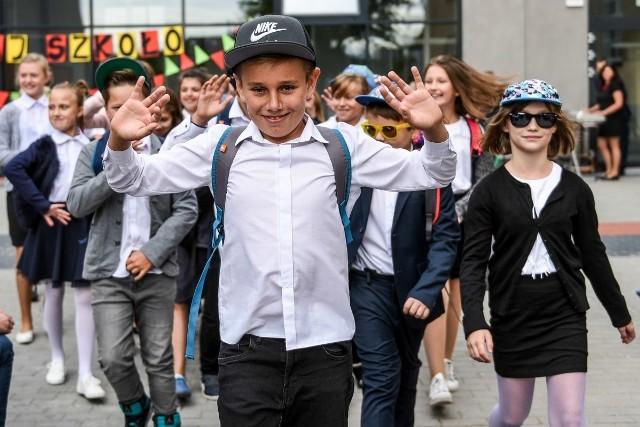 Rok Szkolny 20172018 Rozbrzmiał Pierwszy Dzwonek Witano