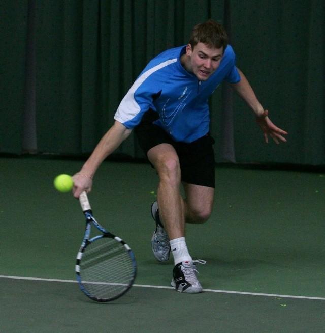 Rafał Gozdur został podwójnym halowym mistrzem kraju w tenisie do lat 18. Teraz postara się osiągnąć sukces w mistrzostwach Polski do lat 21.