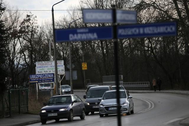 Przebudowa ulicy Kocmyrzowskiej w Krakowie została podzielona na trzy etapy.