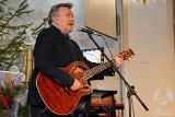 """""""Nie liczę godzin i lat"""" - tę piosenkę można było usłyszeć w wykonaniu Andrzeja Rybińskiego w kościele parafialnym w Sławie"""