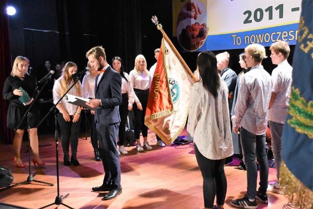 14 października, w Dniu Edukacji Narodowej, odbyła się uroczystość z okazji 10-lecia działalności Rzemieślniczej Szkoły Branżowej I Stopnia im. Rzemieślników Kujawskich w Inowrocławiu
