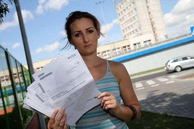 - Zamknęłam konto i nadal je mam - Monika Kwietniewska walczy z bankiem kolejny rok