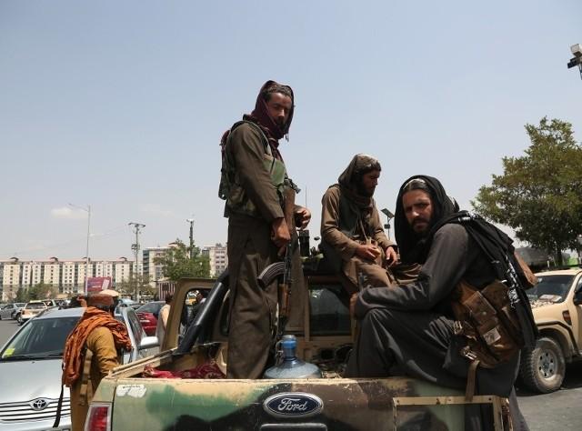 Przejęcie władzy przez talibów sprawiło, że UO chce ściągnąć do kraju studentów oraz rodzinę pracownika uczelni.
