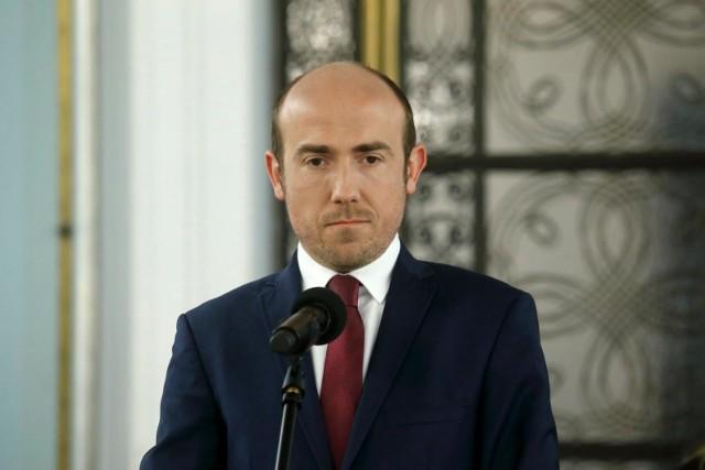 """Borys Budka przerwał wywiad w radiowej Trójce. """"Nie zgadzam się na powrót cenzury"""""""