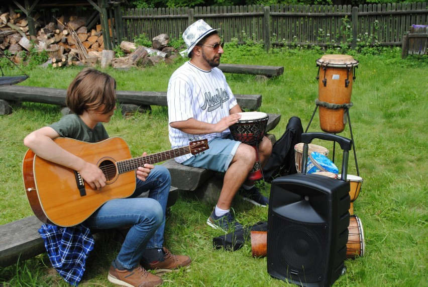 Plenerowe warsztaty muzyczne uczniów XII Liceum Ogólnokształcącego w Radomiu