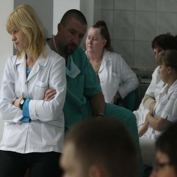 Czy faktycznie pielęgniarki odejdą z placówki? Grażyna Baziuta, szefowa Domu Pomocy Społecznej przy ul. Świerkowej, nie zgodziła się na rozmowę telefoniczną.