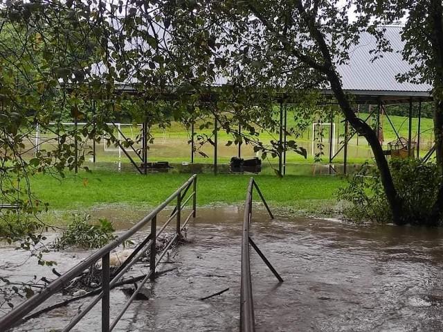 Mocno podniósł się poziom wód w potokach na terenie gminy Biecz. Pazur pokazała też Sitniczanka w Racławicach i Binarowej