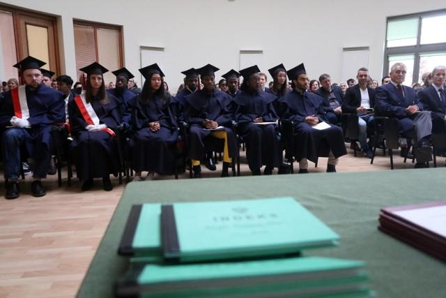 Wicemienister Socha zaapelowała o to aby uczelnie wyższe mogły przejść w tym roku akademickim już na tryb stacjonarny.