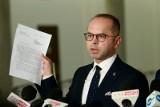 Opozycja apeluje do prezydenta o podpisanie ustawy o jawności majątku rodzin polityków