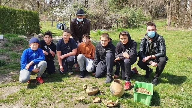 Nagrody dla chłopców z Mierkowa, którzy odkryli skarb. Są kolejne odkrycia
