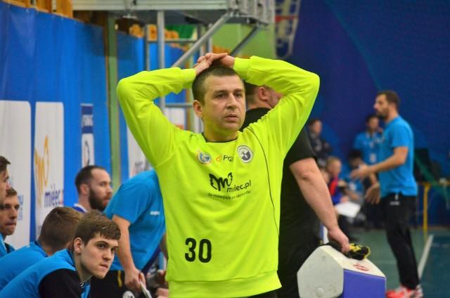 Trener Krzysztof Lipka (na zdjęciu) po meczu w Legionowie ma o czym myśleć