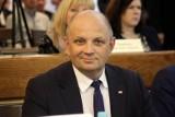 Radny PiS, Tomasz Pitucha nie zastosował się do prawomocnego wyroku sądu. Na jego konto może wejść teraz komornik