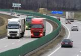 Najgorsze zachowania kierowców TIR-ów. Czy duży może więcej? Nie pomagają znaki, mandaty, apele. Oto TOP 10