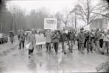 """""""Bez atomu w naszym domu"""". Zobacz zdjęcia z puławskiej demonstracji przeciwko elektrowni atomowej!"""