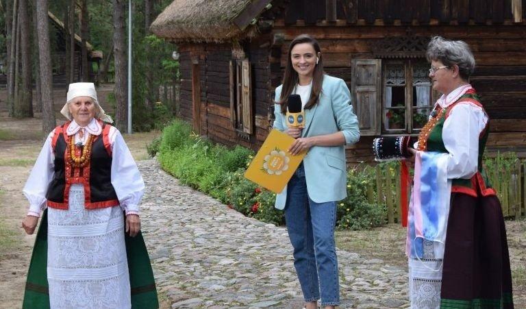 """""""Dzień dobry TVN"""" w Zagrodzie Kurpiowskiej w Kadzidle. 11.07.2020. Zdjęcia, wideo   Tygodnik Ostrołęcki"""