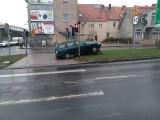 Lubuskie. Kierowcy informują o fatalnych warunkach. Wiele dróg jest sparaliżowanych z powodu gołoledzi [ZDJĘCIA]