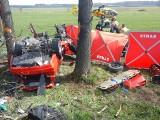 Śmiertelny wypadek na DK 19. Samochód uderzył w drzewo. Zginęli kierowca i pasażerka BMW (zdjęcia)
