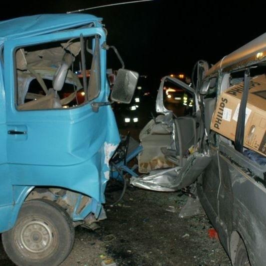 Na prostym odcinku drogi zderzyly sie dwa busy – litewski i polski. Kierowca tego ostatniego, 56-letni mieszkaniec Nowej Wsi Elckiej zginąl.