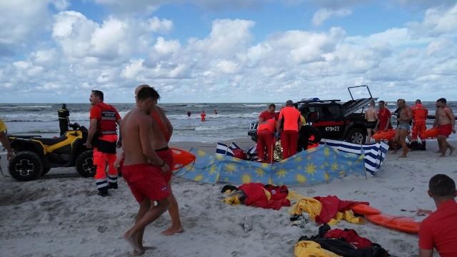 Z powodu warunków atmosferycznych na plażach strzeżonych w Łebie w dniu 07 sierpnia obowiązywał zakaz kąpieli