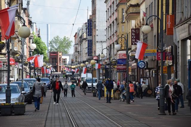 Na ulicy Wolności było więcej ludzi niż w AKS Chorzów.Zobacz kolejne zdjęcia/plansze. Przesuwaj zdjęcia w prawo - naciśnij strzałkę lub przycisk NASTĘPNE