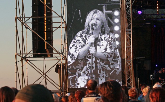 Na Błoniach Nadwiślańskich w Grudziądzu w ramach pożegnania wakacji wystąpiła Ania Dąbrowska. Na koncercie pojawiły się tłumy mieszkańców Grudziądza i okolic.