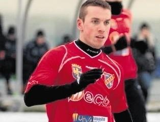 Piotr Bondziul -26 - letni napastnik ostatnie pół roku w II-ligowej Odrze Opole. Szefowie Dębu liczą, że wróci do zespołu.